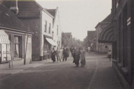 Winkel van Flint, later Verkaik, op Dorpsstaat 35
